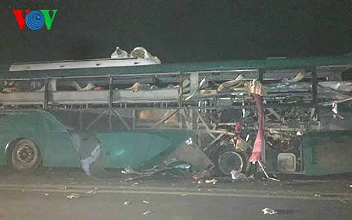 Cháy nổ xe khách tại Bác Ninh